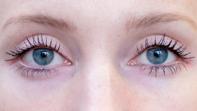 Loreal-Left-Benefit-Real-Right-for-Mascara