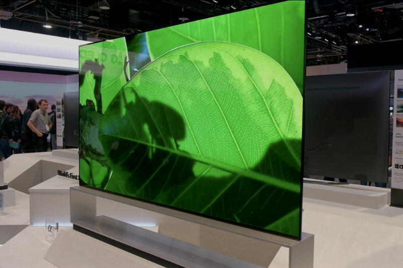 LG Showcases Its Impressive 88-inch OLED TV